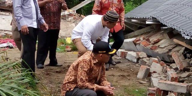 Kepala LPMP Aceh Mendampingi Mendikbud Kunjungi Sekolah yang Rusak Akibat Gempa di Aceh