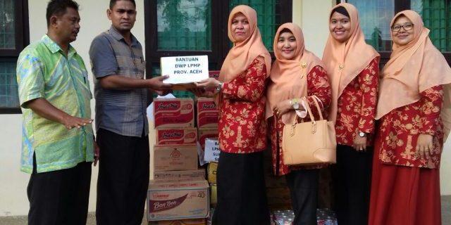Darmawanita LPMP Aceh ikut Mengumpulkan Bantuan untuk Korban Gempa