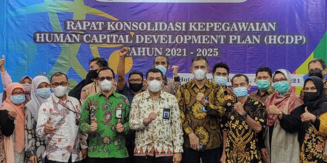 Pentingnya Pengembangan Kompetensi Terhadap Kinerja ASN, LPMP Provinsi Aceh Adakan Rapat Konsolidasi Kepegawaian Human Capital Development Plan (HCDP) Tahun 2021 – 2025